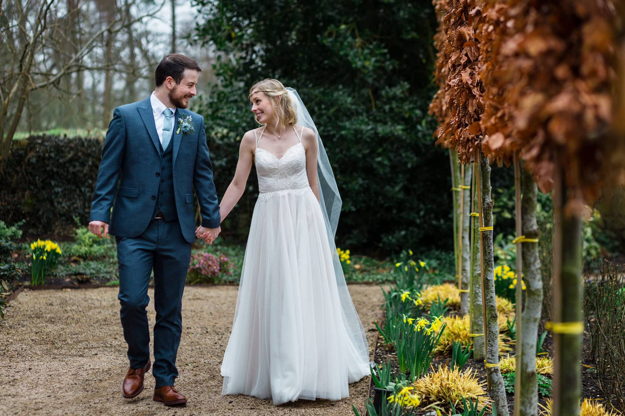 Le Petit Chateau, spring daffodils bride and groom