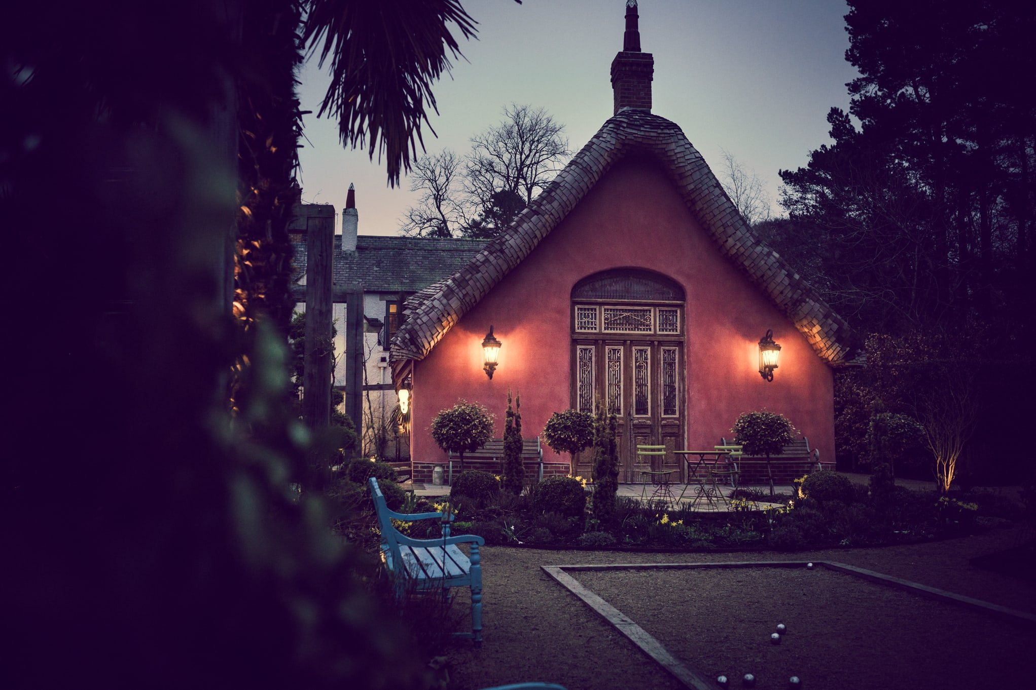 Le Petit Chateau, twilight