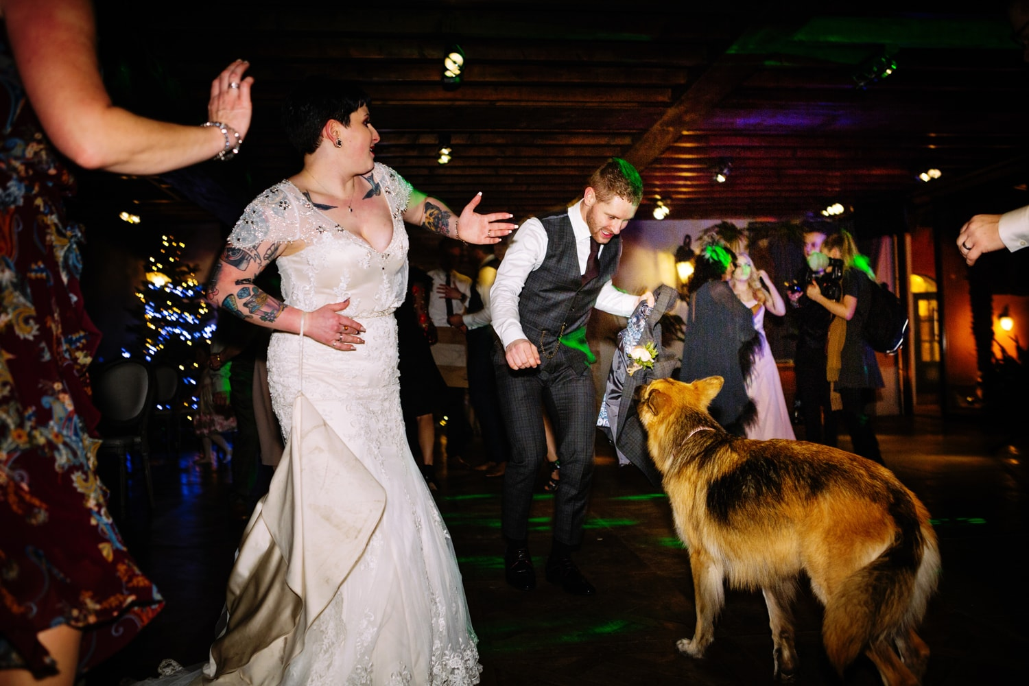Le Petit Chateau, dancing at wedding with dog